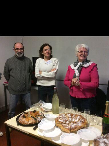 Buffet galette des rois organisé par l'équipe du Repair Café Pays de Grasse, après le premier atelier de l'année 2019 à l'annexe de la maire Saint Claude