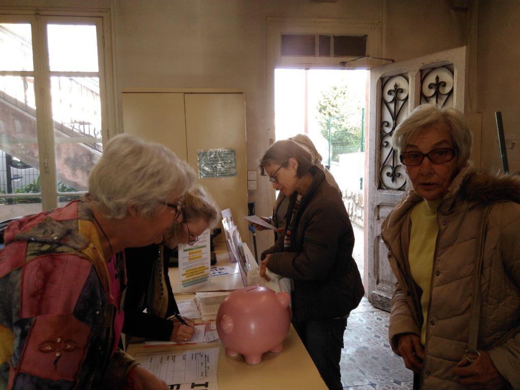 Accueil du public lors de l'atelier de février du Repair Café pays de Grasse